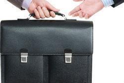 Ликвидация ООО путем смены учредителя и директора, а также через продажу: порядок процедур и их сроки