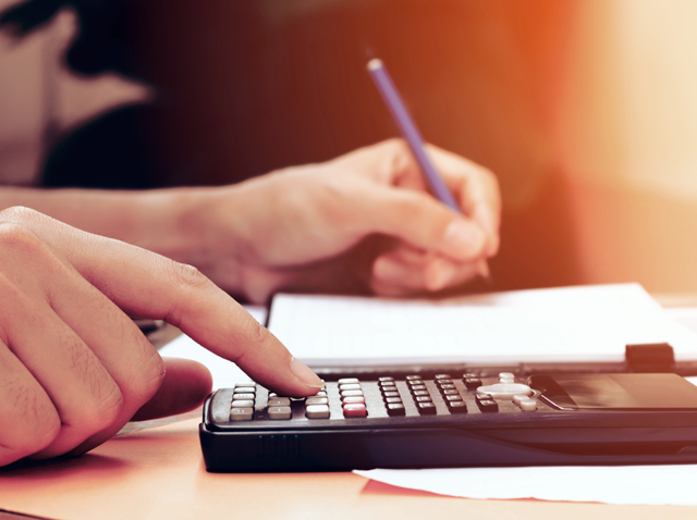 Ставка земельного налога в 2019 года для юридических лиц и размер для физических лиц: сколько стоит за сотку земли