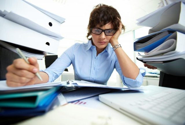 Заполнение формы 6-НДФЛ при увольнении работника: кто и когда заполняет, отражение увольнения, отчётность в случае компенсации отпуска, по выходному пособию, примеры расчёта