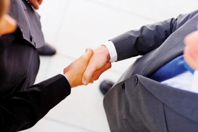 Распределение, арест, наследование, изменение и отчуждение доли в уставном капитале ООО обществу: образцы заявления, протокола, договора, обращения, как продать долю