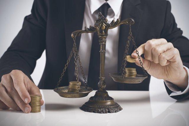 Патент на грузоперевозки для ИП: краткая информация о налоговом режиме и основные характеристики системы, процедура оформления и стоимость, необходимые документы, сравнительные характеристики других видов налогообложения для грузоперевозок