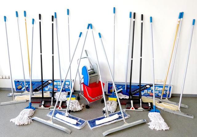 Инвентарь для уборки помещений: маркировка, хранение и правила использования, для пола, по СанПину, обработка, профессиональный уборочный инвентарь
