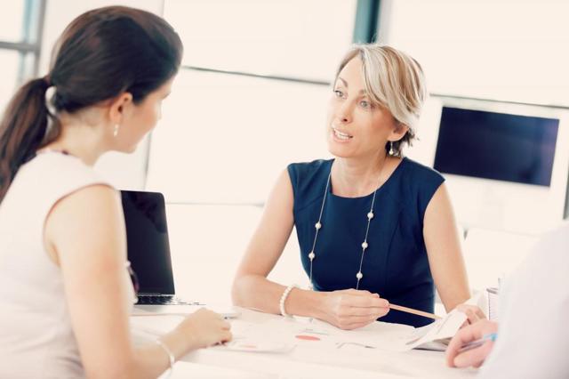 Выдача СЗВ-М работнику при увольнении: образец справки