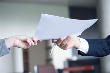 Расчет размера выходного пособия при увольнении при ликвидации организации: выплаты декретникам